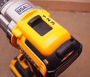 how to adjust speed settings in a cordless drill