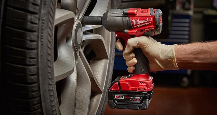 Best Cordless Impact Wrench For Mechanics Milwaukee M18